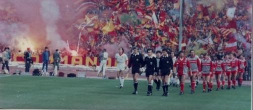 L'ingresso in campo di Roma e Liverpool, finale di Coppa dei Campioni 1983/84