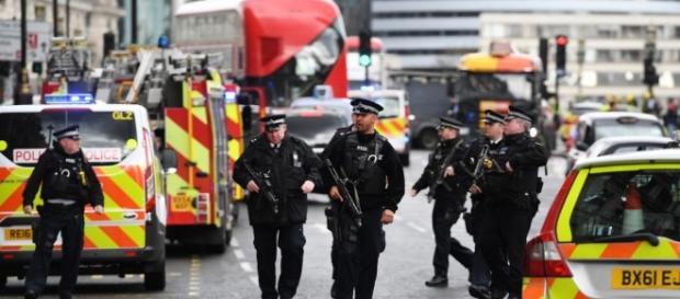 Atentat Londra! Polițiștii continuă cercetările