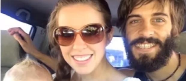 Jill Duggar And Derick Dillard Celebrate Being Home / Photo screencap from TheFame via Youtube