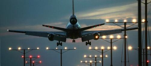 AirTalk® | Who wins in the privatization of air traffic control ... - scpr.org