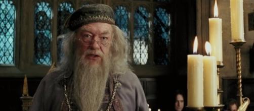 Aparte de Jude Law, Warner Bros. buscará quién haga el papel de un Dumbledore adolsecente (via bloghogwarts.com)