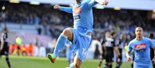Driesc Mertens giura amore al Napoli