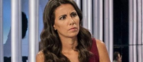 La periodista Ana Pastor algo enfadada