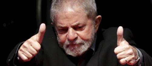 Luís Inácio Lula da Silva diz estar sendo perseguido (Foto: Reprodução)