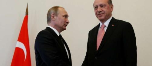 Putin e Erdogan a San Pietroburgo: l'incontro del disgelo | Nanopress - nanopress.it