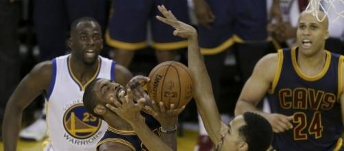 Warriors whip Cavaliers 110-77 to take 2-0 NBA Finals lead | News OK - newsok.com