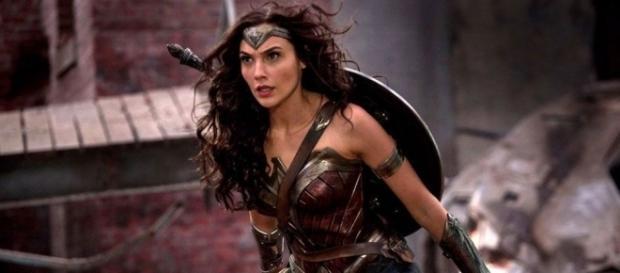 Box Office: 'Wonder Woman' Lassoes $38 Million Opening Night - yahoo.com