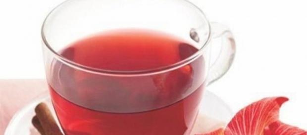 Chá de Hibisco emagrece? Saiba a verdade agora.