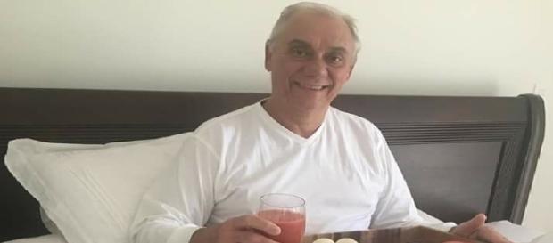 Foto da primeira internação de Marcelo Rezende. Apresentador fez vídeo dizendo que está se internando novamente