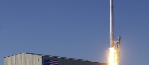 Lift-off Launch Rocket Launch Spacex / CCO Public Domain via Pexel