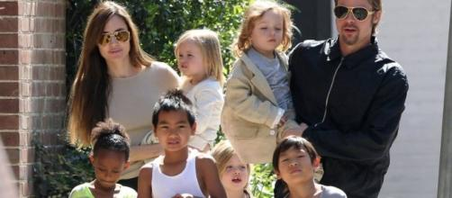 Angelina Jolie and Brad Pitt with their kids Zahara, Maddox, the twins Vivienne and Knox Leon, Shiloh Nouvel and Pax Thien.
