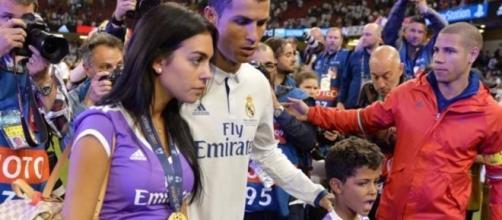 Cristiano Ronaldo y Georgina Rodríguez celebran la Champions