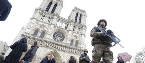 Ennesimo attacco terroristico: questa volta a Parigi, per fortuna non ci sono vittime