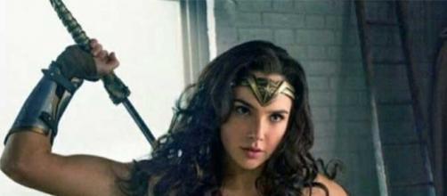 Gal Gadot interpreta a Mulher Maravilha (Foto: Reprodução)