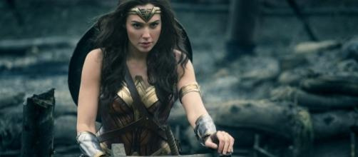 "Gal Gadot reportedly signed on for ""Wonder Woman"" sequel. (Blasting News photo gallery)"