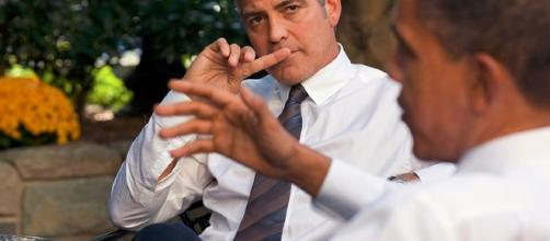 George Clooney during a meeting outside the Oval Office / Photo cc white house via wiki