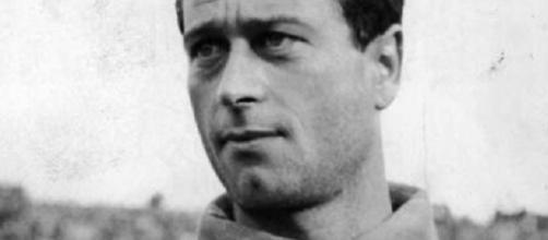 Giuliano Sarti, il portiere dagli occhi di ghiaccio - bloogger.it