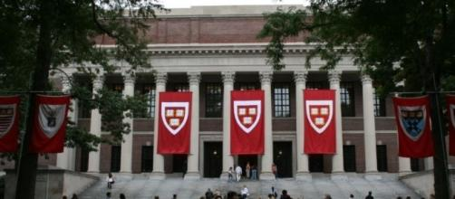 Harvard kicks out 10 students for 'offensive' memes in private ... - redalertpolitics.com