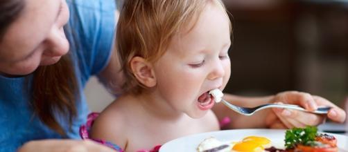 Ricerca in Ecuador: un uovo al giorno può permettere al neonato di recuperare i deficit di crescita - foto: eatthis.com