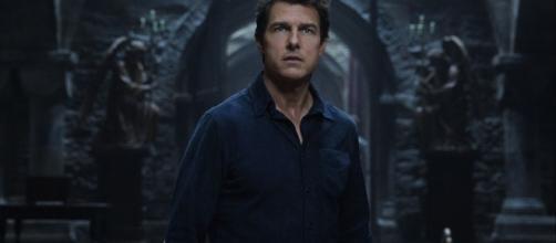 Tom Cruise Battles Sofia Boutella's Princess Ahmanet In 'The Mummy ... - heroichollywood.com