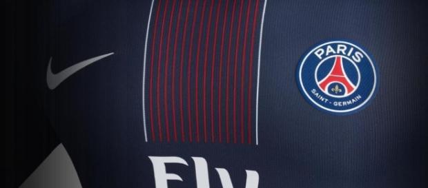 C'est un nouveau footballeur du Paris Saint Germain