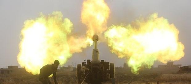 Hashed al-Shaabi forçou fogo para Isis durante uma batalha nos arredores de Baaj no mês passado
