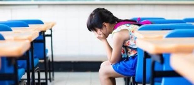 O caso da menina que foi expulsa da escola por não usar sutiã chocou a opinião pública (Foto: Reprodução)