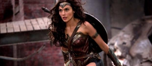 'Wonder Woman' actress Gal Gadot gets praised for superhero role. (Photo: nerdist.com)