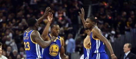 Los Warriors ponen el 3-0 con Durant decisivo (vía Twitter - A_todoDeporte)