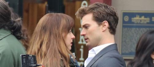 Dakota Johnson and Jamie Dornan are becoming real close with each other - extratv.com