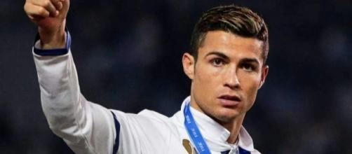 Las grandes ofertas que rechazó Cristiano Ronaldo por su amor al ... - diez.hn