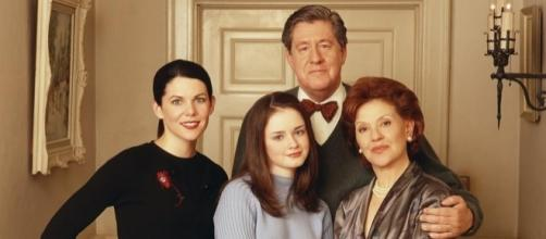"""Lauren Graham says another """"Gilmore Girls"""" revival would only disappoint the fans. (Facebook/Gilmore Girls)"""