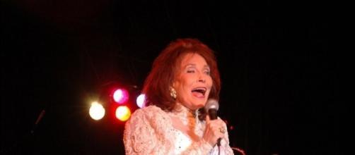 Loretta Lynn doing what she loves best...entertaining-Photo Wikimedia Commons