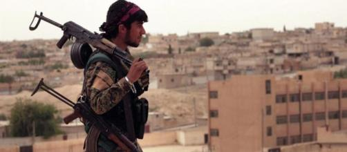 Scene di battaglia dalla città di Raqqa