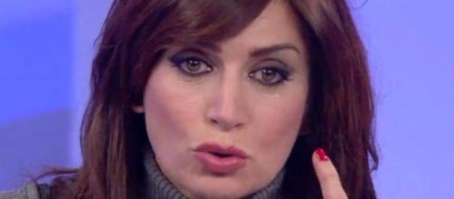 Uomini e donne: Barbara De Santi si scaglia contro Gemma Galgani