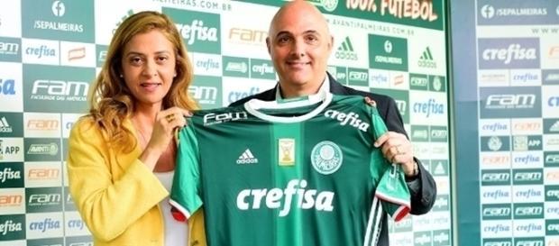 Presidente do Palmeiras junto com Leila Pereira