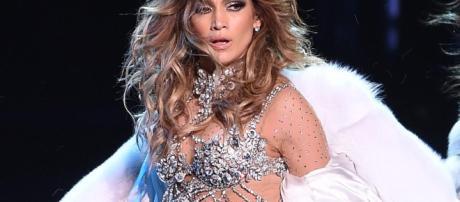 Jennifer Lopez, colpo della strega a Las Vegas