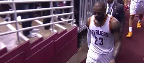 Cleveland Cavaliers lose another game - YouTube screenshot via Ximo Pierto channel