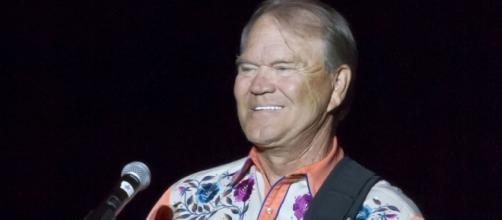 "Glen Campbell bids touching musical farewell with ""Adios"" ... - suntimes.com"
