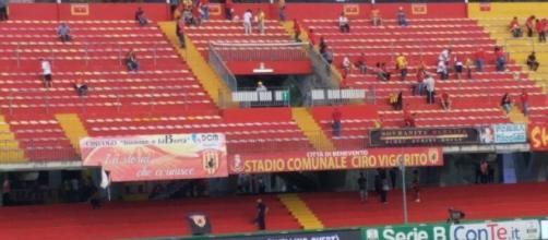 I primi tifosi entrano nello stadio