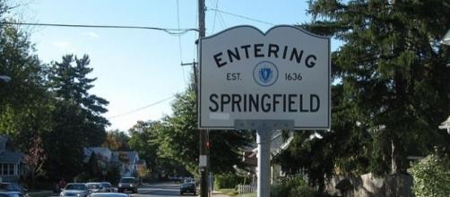 John Phelan, wikimedia photo of Route 83 northbound, entering Springfield MA