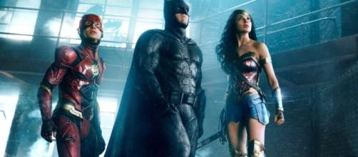 JUSTICE LEAGUE is Reportedly Going Through Major Re-shoots That ... - geektyrant.com