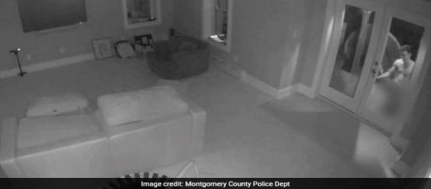 Câmeras de monitoramento captam homem nu tentando invadir residência (Montgomery County Police Department)