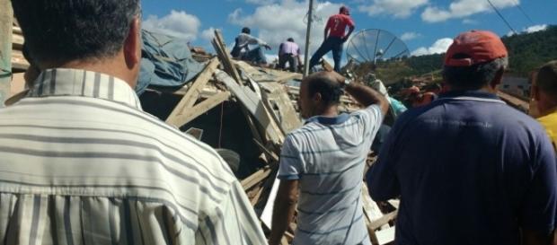 Caminhão desgovernado causa morte e destruição (Foto: internet)