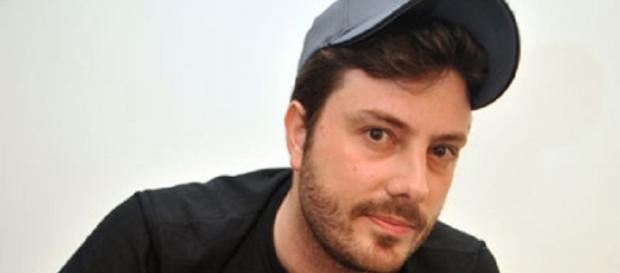 Danilo Gentili fica na berlinda após vídeo contra deputada e fãs saem em sua defesa