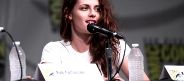 Kristen Stewart dating speculations. - wikimedia.com