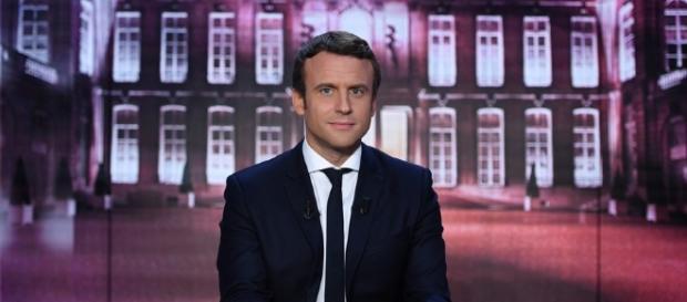 Macron bouleverse l'espace politique et législatif français