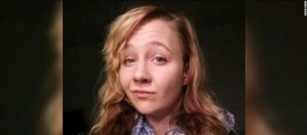 Reality Winner: Accused leaker is scared after arrest, mom says ... - cnn