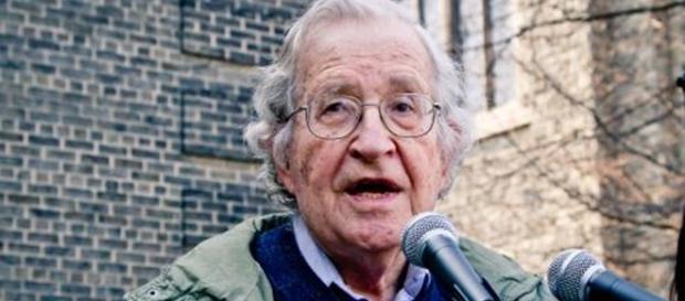Chomsky disse que os norte-coreanos têm as suas razões por estarem aborrecidos