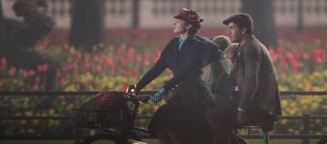 Emily Blunt as Mary takes the Banks children for a ride in a scene from 'Mary Poppins Returns'. | Daily Mail Online - dailymail.co.uk